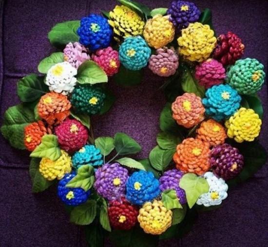 Pine-Cone-Zinnia-Wreath--550x507